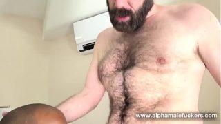 Foda interracial entre Ursos